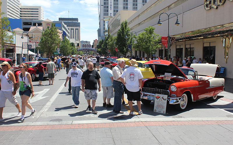 Photo Credit: http://www.classicarnews.com/wp-content/uploads/2014/07/downtown-crowd-sat.jpg
