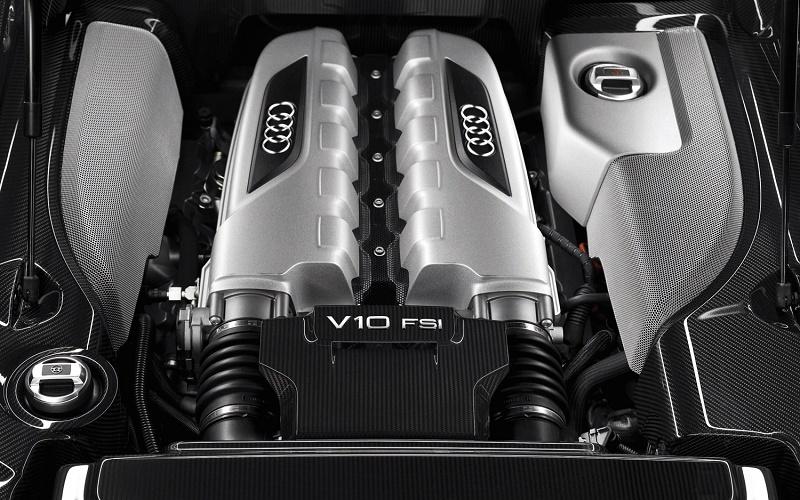 2012-Audi-R8-V10-FSI-Quattro-engine-2