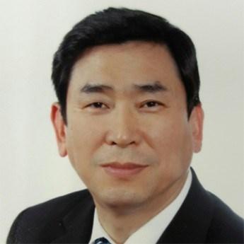 KYUNG SOO LEE